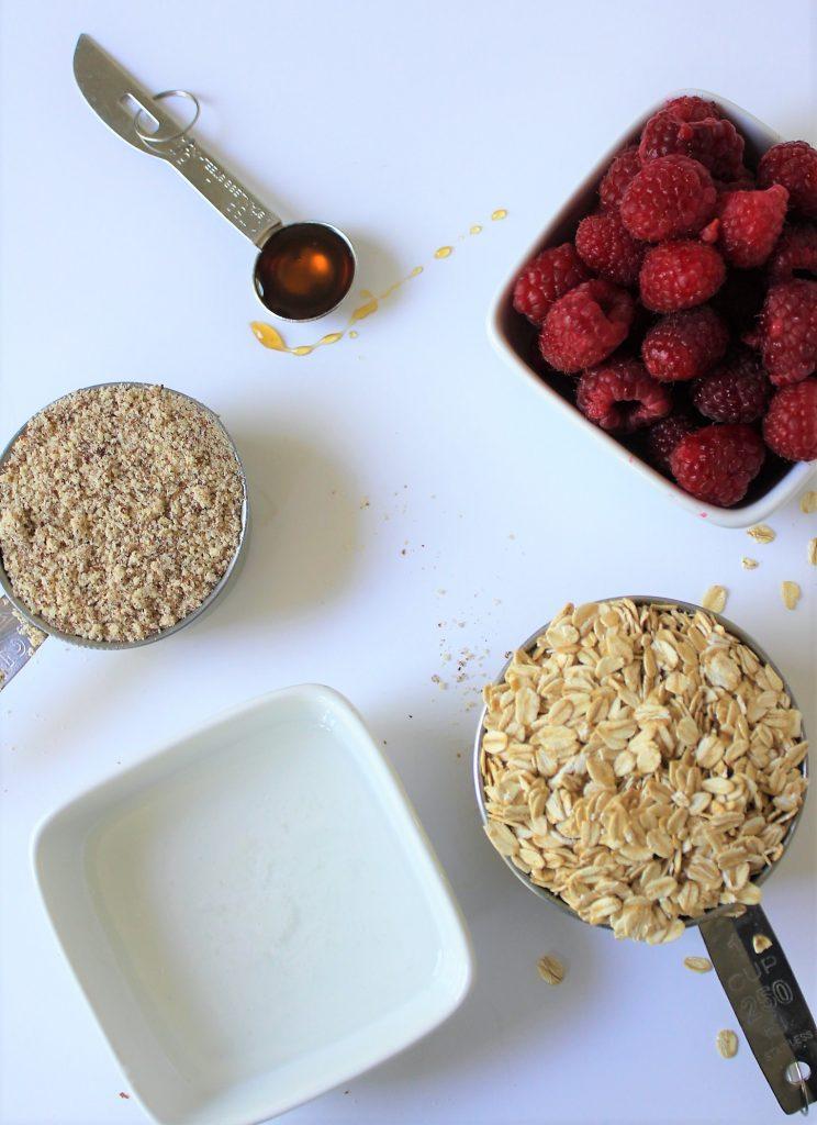 easy raspbery oat crumble squares  #raspberryoatsquares #glutenfreeoatsquares #raspberrydesserts