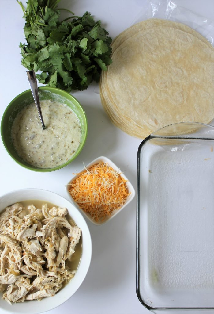 Green Chile Chicken Burritos - made with 5 ingredients including Greek yogurt. Can be gluten free and dairy free. #chickenburritos #greenchilechicken #healthymealprep