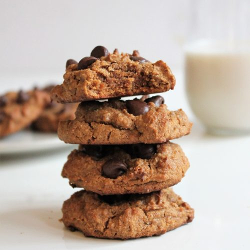 Healthy Flourless Almond Butter Chocolate Chip Cookies. Gluten free, dairy free, vegan, refined sugar free. #almondbuttercookies #flourlesscookies #glutenfree #vegan #grainfree